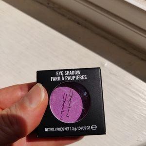 Brand new Mac eye shadow bnib
